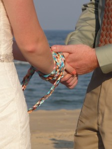 Handfasting_using_a_braided_cord_2012